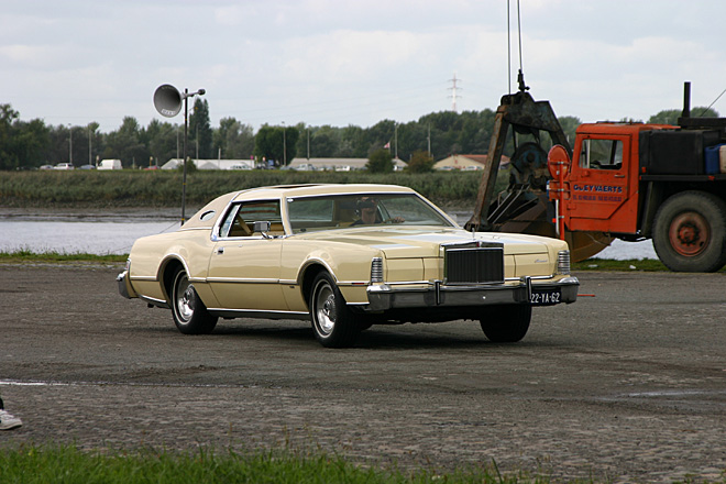 1972-1976 Lincoln Continental Mark IV - American Power On Wheels - august 21-22th 2004, Kaaien Antrwerpen