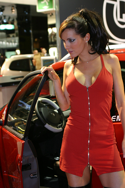 Paris 2006 - Ligier stand - Girls on show -
