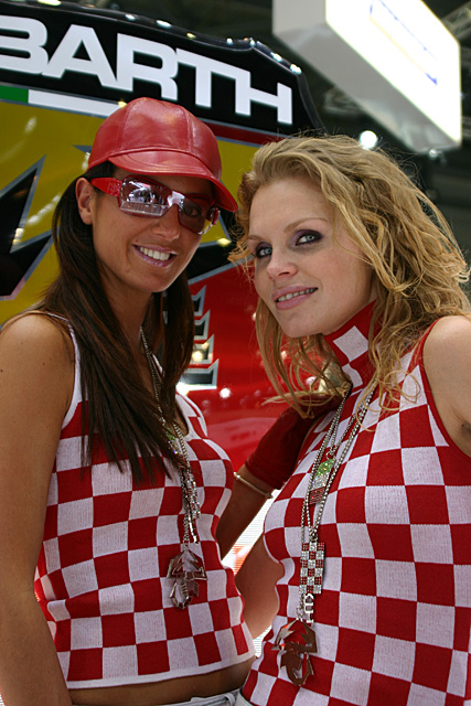 Geneva 2007 - Abarth stand - Girls on show -