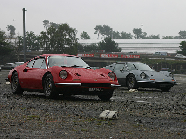 Dino 246 GT (left) and 246 GTS (right) - Le Mans 2007 - june 17th, LeMans race track