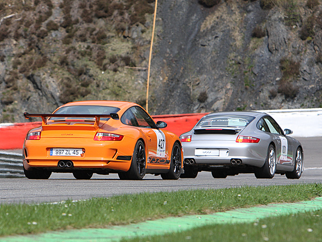 Left to right: Porsche 911 GT3 RS (type 997) and 911 Carrera 2/4 (S) (type 997) - Saturday - april 26th 2008, Spa-Francorchamps