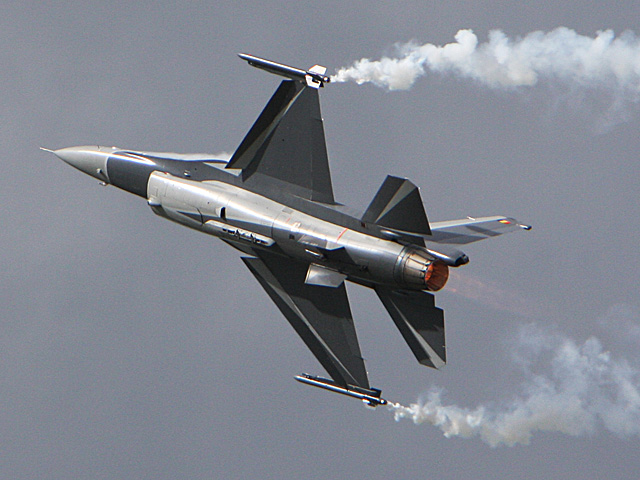 General Dynamics F-16 Fighting Falcon - Defence days - july 5-6th 2008, Florennes airbase