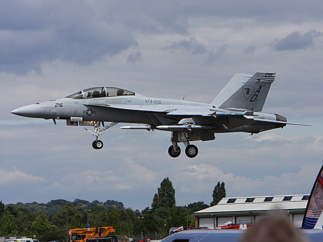 McDonnell Douglas F-18 Hornet - International Airshow - july 20th 2008, Farnborough airbase