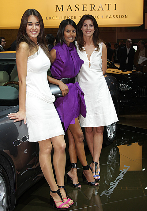Paris 2008 - Maserati stand - Girls on show -