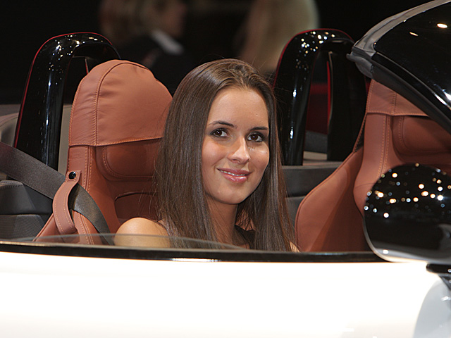 Paris 2008 - Alfa Romeo stand - Girls on show -